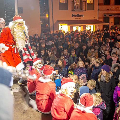 Julius optræder til Julemandens Ankomst i Kolding